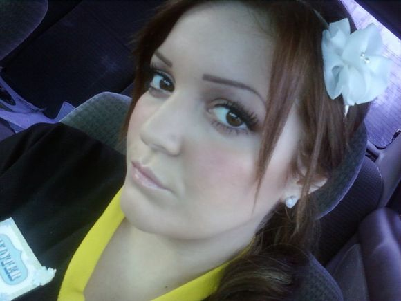 Winter Pierzina pregnant, working as a server at a Buffalo