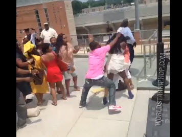 Black girls fighting in the hood