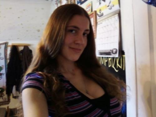 Stephanie (18)